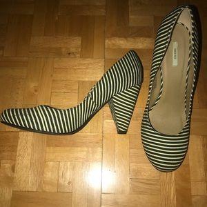 H&M Black & Yellow heels